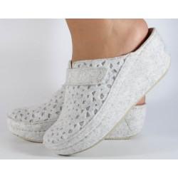 Papuci de casa MUBB albi cu...